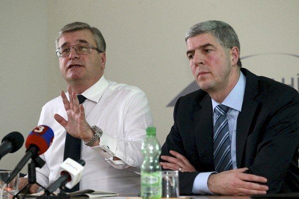 Predseda strany Most-Híd Béla Bugár a podpredseda strany Ivan Švejna.