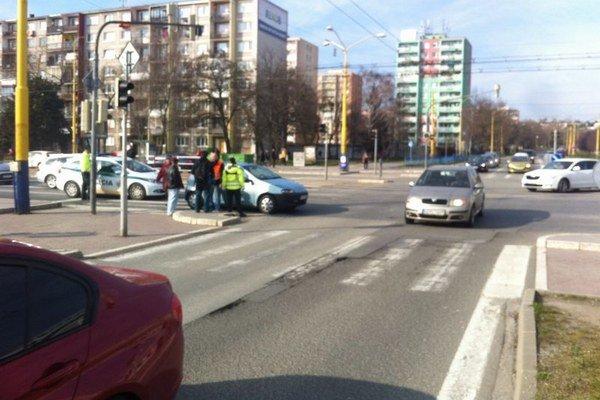 Po nehode. Príčiny vyšetruje polícia.