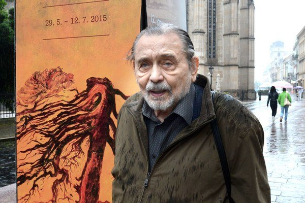 Majster Tibor Gáll. Výstavu nazval Nedosnívané sny, lebo ešte stále sníva.