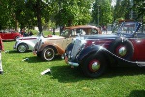 Historické autá. V parku ich bude 44.