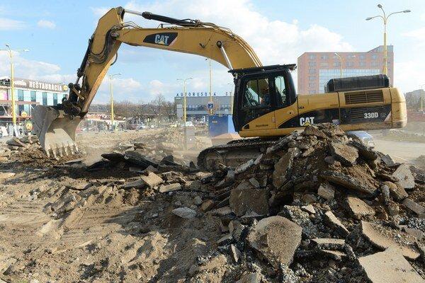 Väčšinu tuzemskej stavebnej produkcie tvorí nová výstavba vrátane modernizácií a rekonštrukcií.