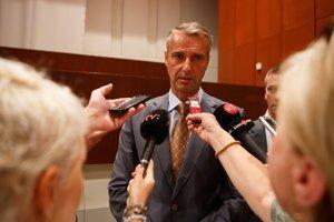 Primátor Raši. Poslancom má predložiť návrh referenda i s otázkami.