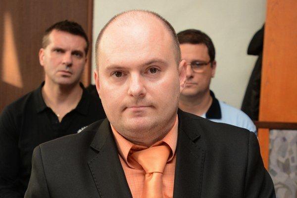 Ladislav Takáč. Pripojil sa do väčšinového klubu.