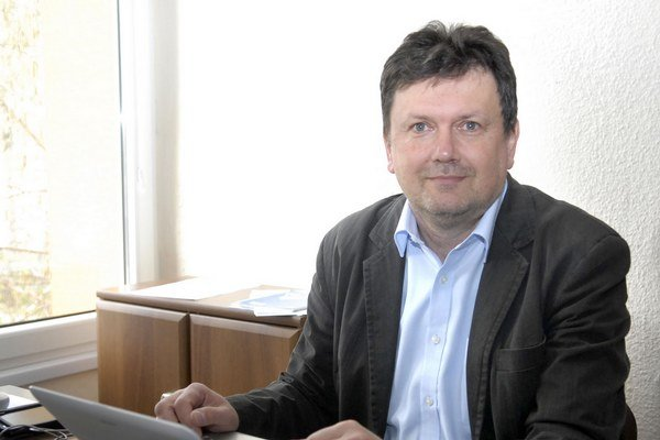 Starosta Vyšného Opátskeho Viktor Mikluš.