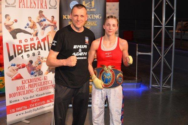 Šampiónka s trénerom. Peter Bonk a Veronika Petríková krátko po ťažkom zápase v Ríme.