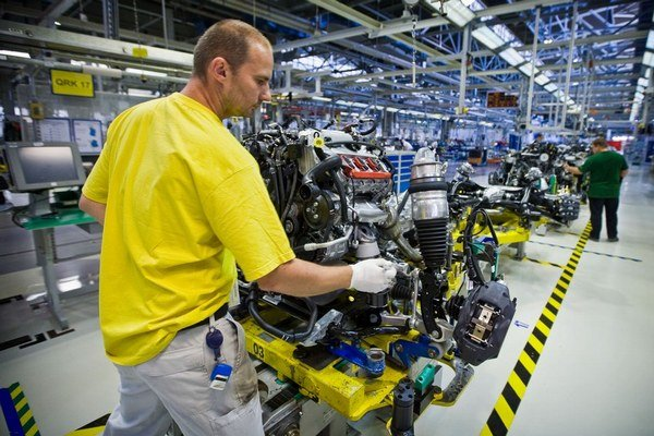 Personálny lízing je častým riešením v automobilovom priemysle.