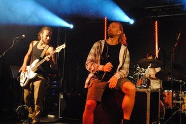 Na festivale sa predstaví aj kapela Heľenine oči.