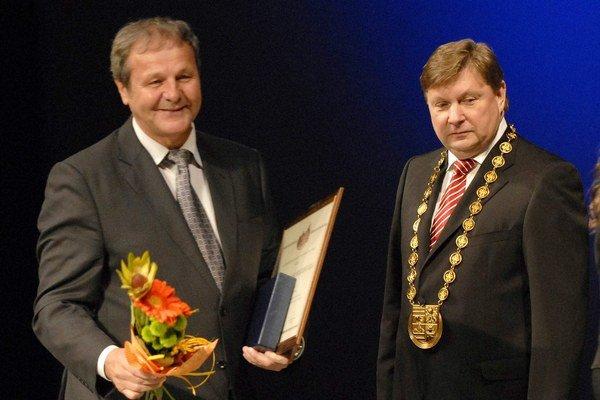 Ján Kozák. Úspešný hráč a tréner má pred sebou ešte veľa výziev.