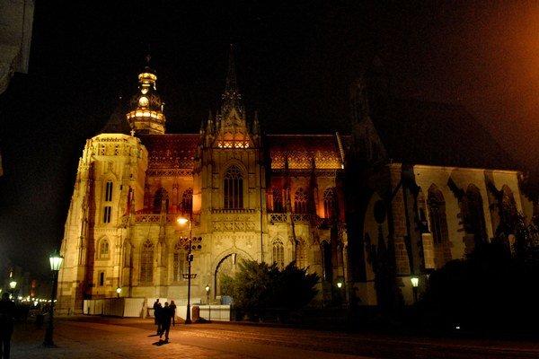 Klenot Košíc. Doteraz bol roky skrytý v tme, s výnimkou ceremoniálu mesta kultúry.