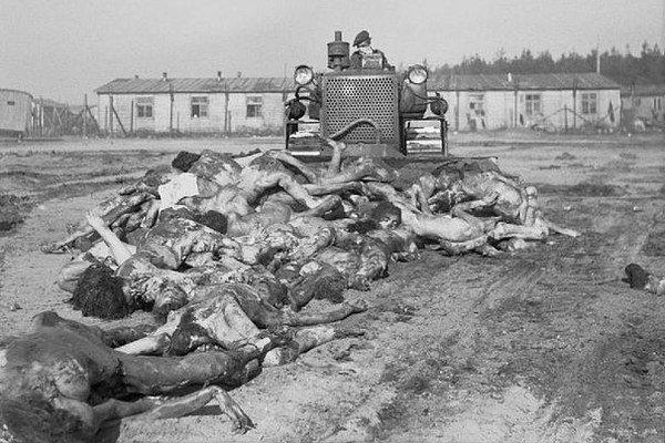Tábor Bergen-Belsen. Takto skončili obete.