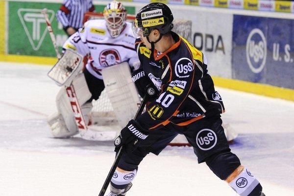 Hokejku na istý čas odloží. Jakub Suja sa zaradil medzi zranených.