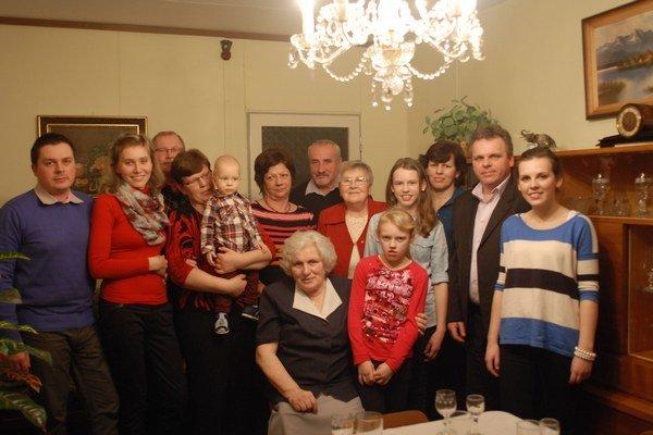 Mária Adamová. Deň, ktorý jej zmenil život, si pripomenula po 70 rokoch s rodinou.