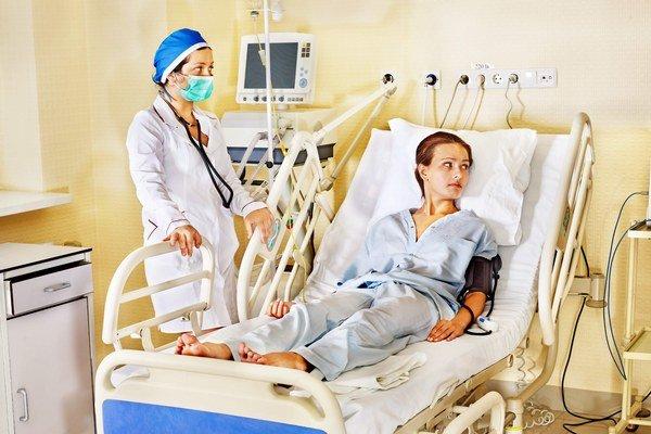 Vysvedčenie od pacientov. Poisťovne po roku zverejnili hodnotenia nemocníc.