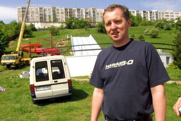 Michalus sa dnes živí ako elektrikár. Po 19 rokoch v MPS ho vyrazili bez papierov, poisťovne a úrad práce ho nechcel prihlásiť, ani podporu nedostal.