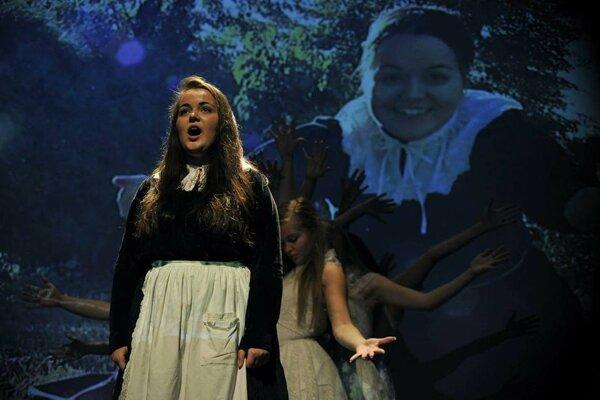Multimediálne predstavenie Ludevít spája javiskové výstupy, spev a filmové scény.