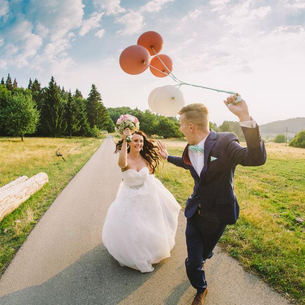 Marekovou srdcovkou je fotenie svadieb.