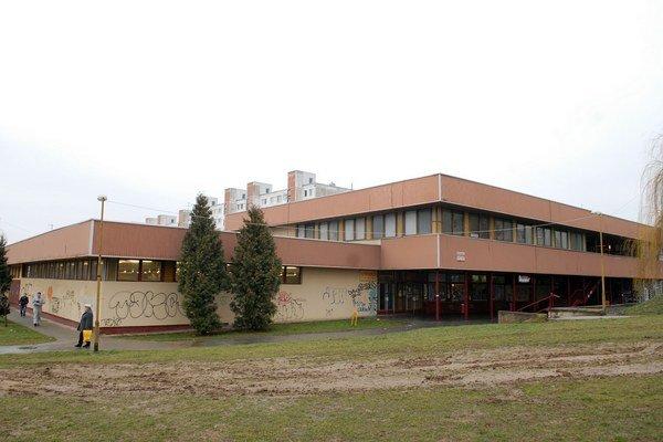 Obchodné centrum dostane novú strechu za 50–tisíc.