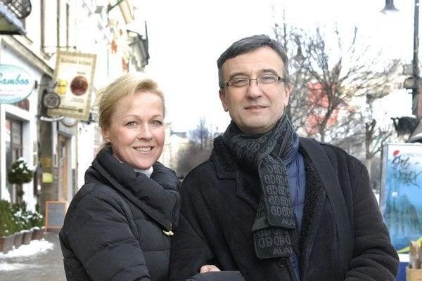 Dana Košická a Milan Antol. Stvárňujú hlavné postavy predstavenia.