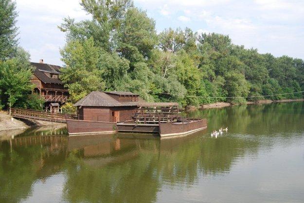 Kolárovský klenot vyrobili v Komárňanských lodeniciach. FOTO - VODNYMLYN.SK