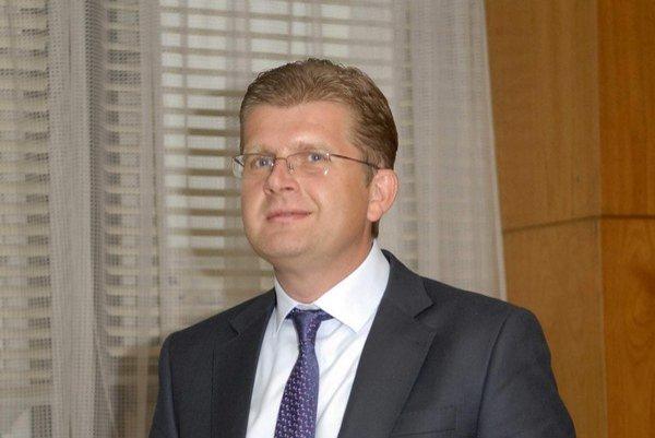 Minister Žiga analýzu neukázal, lebo žiadnu nemá.