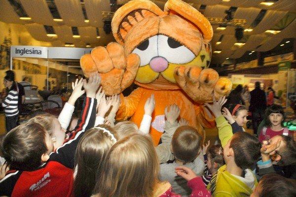 Garfield v obliehaní. Chce to výdrž a pevné nervy.