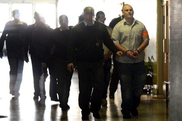 Ján Červený (vpravo) dostal osem a pol roka. Odvolal sa.