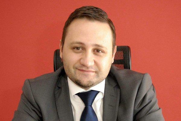 Jaroslav Kaifer. Je poslancom, advokátom i podnikateľom. MPS šéfoval 3 roky.
