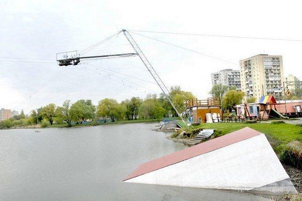 Vodné lyžovanie. Skončí na jazere jeho 20-ročná tradícia?