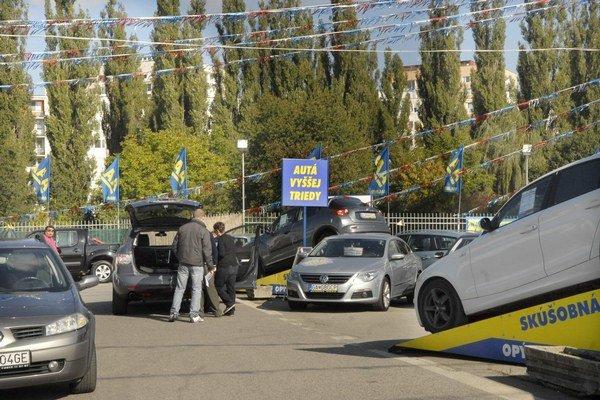 Ojazdený automobil si dôkladne pred kúpou preverte.