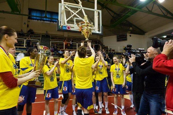 Obhájili extraligový titul. Basketbalistky Good Angels Košice sú staronový majster.