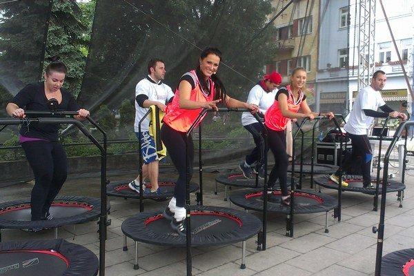 Jumping. Cvičenie na trampolínach predviedla Marietta Žigalová.