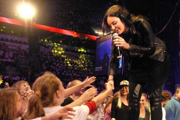 Ewa Farna si koncert užila. Deti si priali, aby medzi ne prišla práve ona.