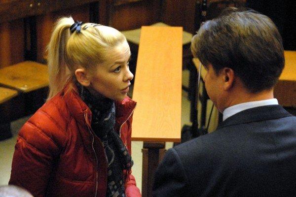 Eva Varholíková. Z domácej väzby musela späť do väzenského ústavu.