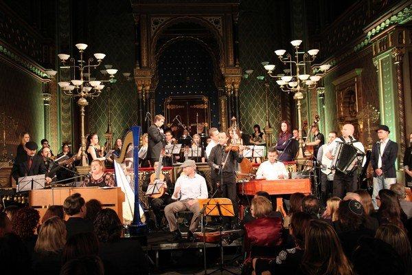 V Prahe bolo plno. Györi očakáva množstvo ľudí aj v Košiciach, ktorí si po koncerte môžu dožiť atmosféru na raute v Kunsthalle.