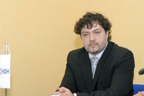Zástupca Bereš. Prokuratúra rozhodla: Plat nemal mať.