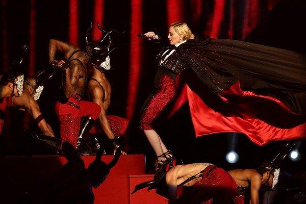 Madonna tesne pred pádom z pódia