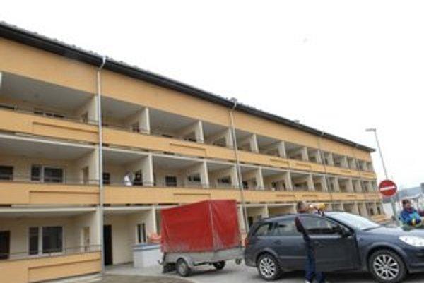 Golianova. V ponuke sú tri voľné nájomné byty.