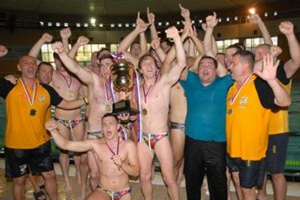 Majstri. ČH Hornets Košice získali šiesty majstrovský titul.