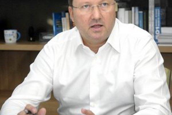 František Sabol. Šéf VÚSCH-u priznal najvyšší príjem spomedzi všetkých verejných funkcionárov.