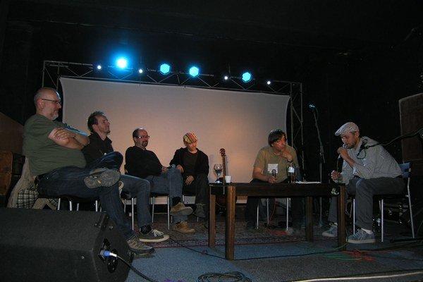 Kulturfabrik Tabačka. V jej priestoroch sa dáva priestor aj na rôzne diskusie.