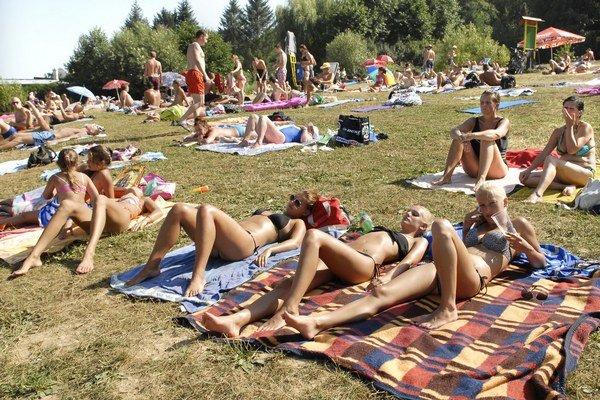 Najteplejší deň v roku. Štvrtkových 35,4 nahradilo včera rovných 36.