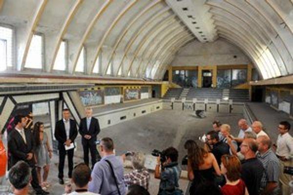 Plaváreň na začiatku prestavby na Kunsthalle. Dokončia ju zrejme až v apríli 2013.