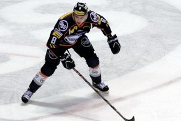 Oliver Jokeľ zatiaľ nazbieral 17 kanadských bodov.