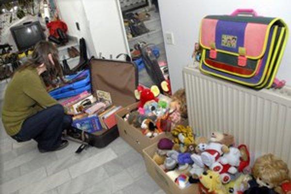 Čisté hračky aj oblečenie. Diakonie Broumov nimi pomáha ľuďom v núdzi.