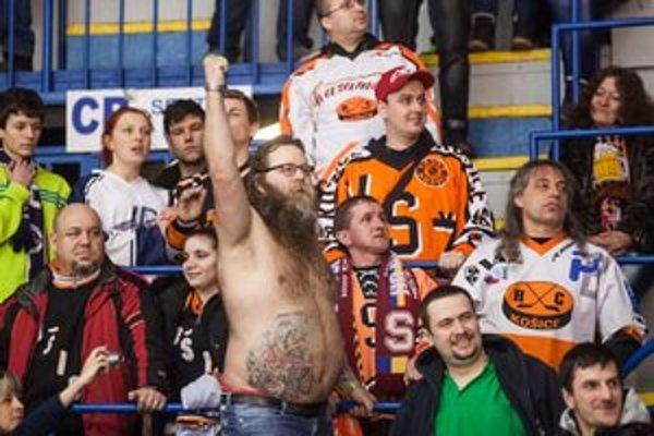 Zastúpenie medzi fanúšikmi mali pod Tatrami aj Košice, z výhry sa však tentoraz neradovali.