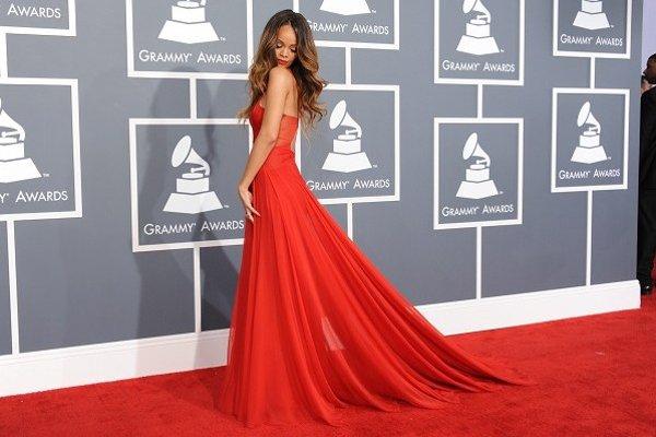 Speváčka Rihanna počas jubilejného 55. ročníka odovzdávania hudobných cien Grammy v Los Angeles.