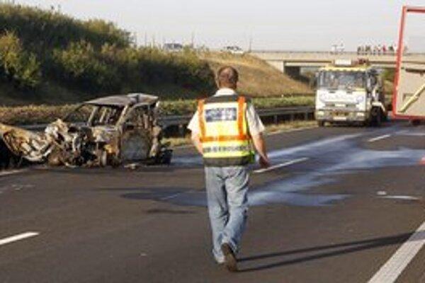 Nehoda v Maďarsku si vyžiadala životy štyroch ľudí.