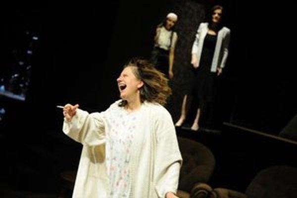 Zuzana Kronerová ako Violet. S hrou August na konci Ameriky zavíta so svojím domovským divadlom aj do Košíc.