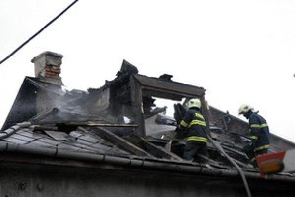 Nevyčistený komín znamená plamene na streche.