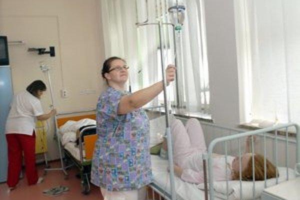 Zdravotné sestry, Výplatné pásky mnohé nepotešili.